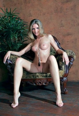 prostitute in Holt Rock